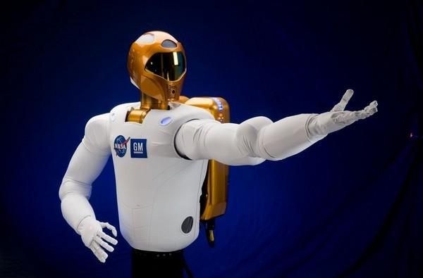NASA and GM's humanoid Robonaut2 blasting into space this September (video)