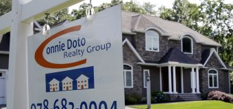 US existing home sales fall to 12-month low