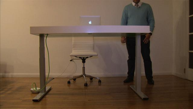 This smart desk nudges you to stand more