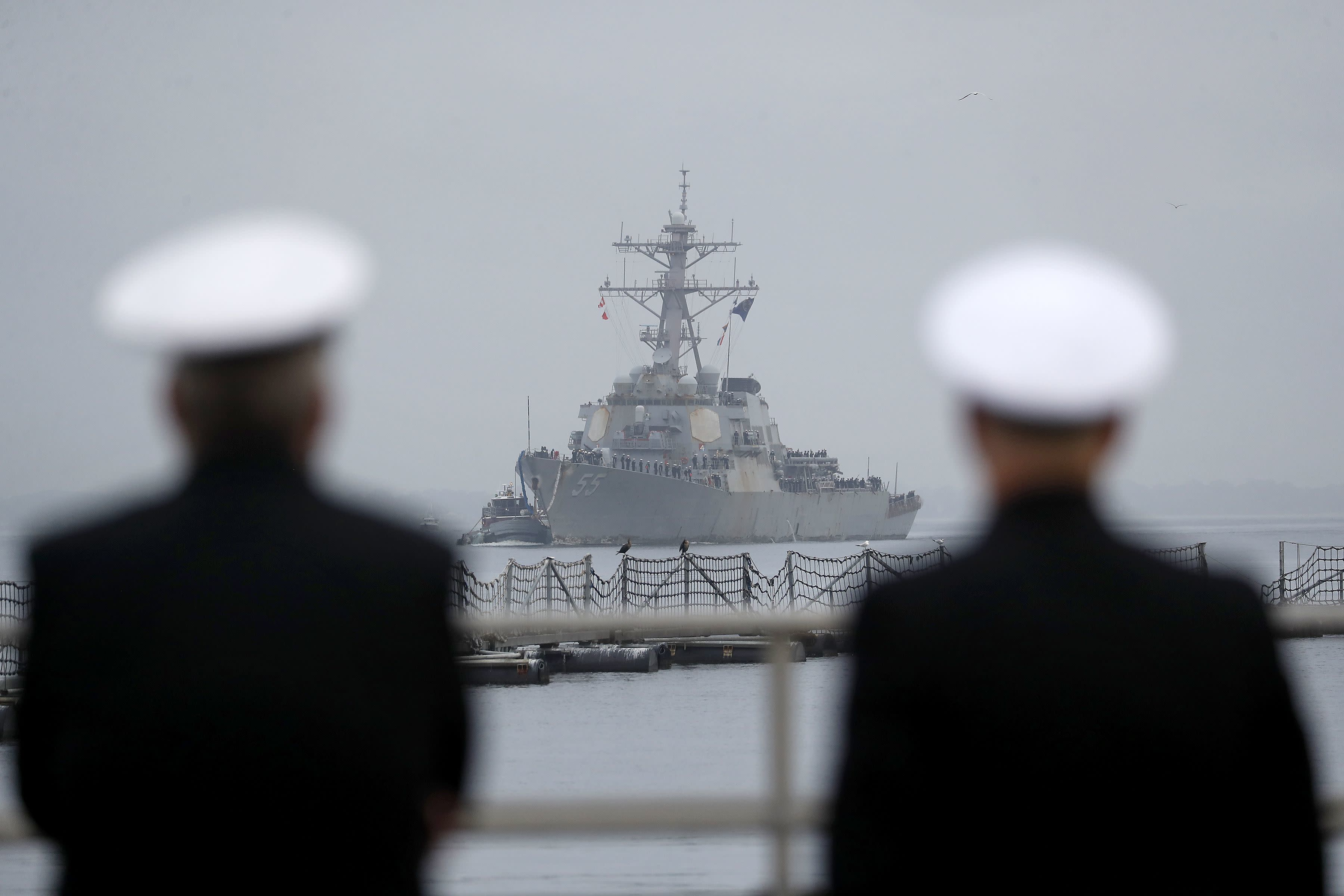 After record-setting 215 days at sea, a long-awaited homecoming for USS Stout