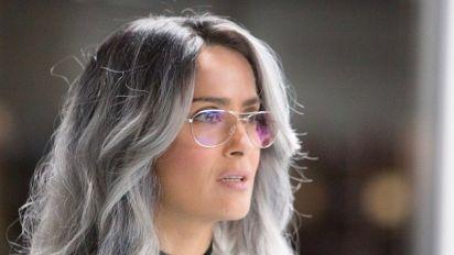 Salma Hayek se deja las canas de sus 51 años y causa sensación con este look; mírala