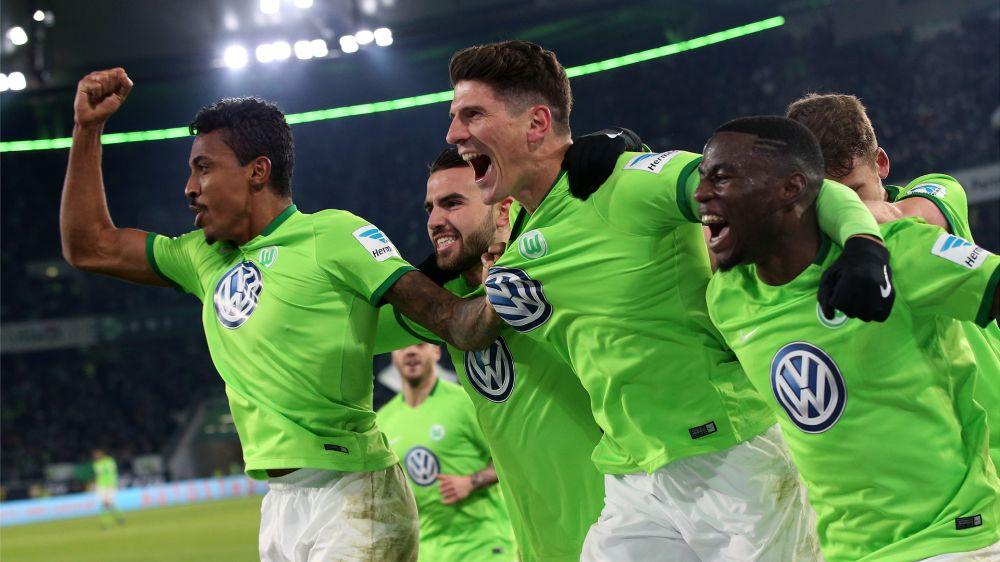 VfL Wolfsburg hofft auf Verbleib von Mario Gomez