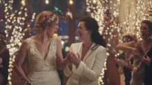 Yahoo readers sound off on Hallmark Channel lesbian kiss controversy