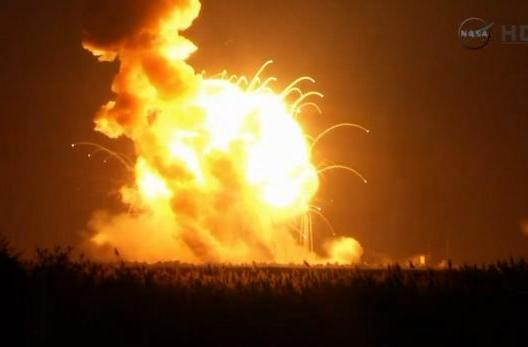Unmanned Orbital Sciences Antares rocket explodes on liftoff (video)
