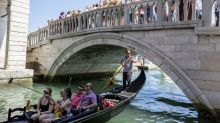 Venice tourists could be fined €500 for sitting down