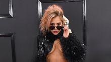 Lady Gaga deja ver más que sus rollitos