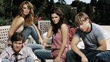 Video: Should The OC Fans Kickstart a Movie? Why Was Miley Seen Sans Ring? Plus More Headlines!