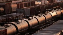 Oil producers call for oil curtailment easing in return for rail commitments