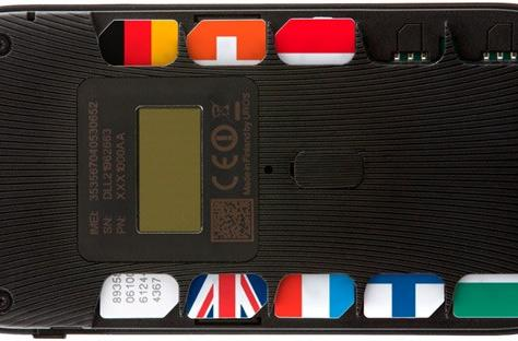 Uros' Goodspeed hotspot packs 10 SIM cards, says roaming is for chumps (update: fee differences)