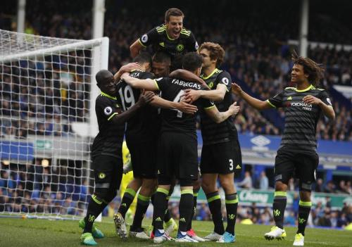 Chelsea se rapproche du titre