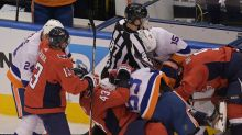 Four-goal outburst gets Islanders past Capitals