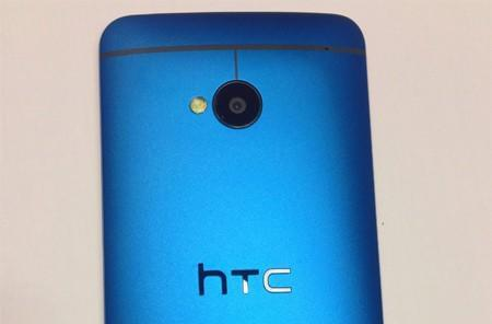 Verizon's blue HTC One trickling out to Best Buy stores starting today