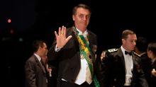 Bolsonaro é 'Capitão Corona' e pode sair mais forte da pandemia, diz jornal americano