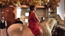 """Berlinale """"Place to B""""-Party: Ich glaub, mich tritt ein Pferd"""