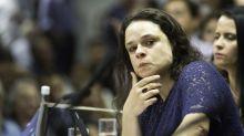 Janaina Paschoal defende que Eduardo Bolsonaro recuse convite para embaixada