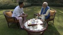 Watch PM Modi's Hilarious Response to Twinkle's Anger Against Him