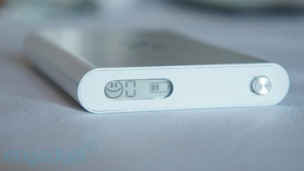 Yota introduces Ruby LTE hotspot with e-ink display at CTIA 2013 (hands-on)