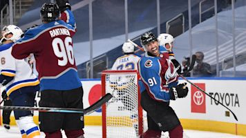 Kadri's buzzer-beater lifts Avalanche over Blues