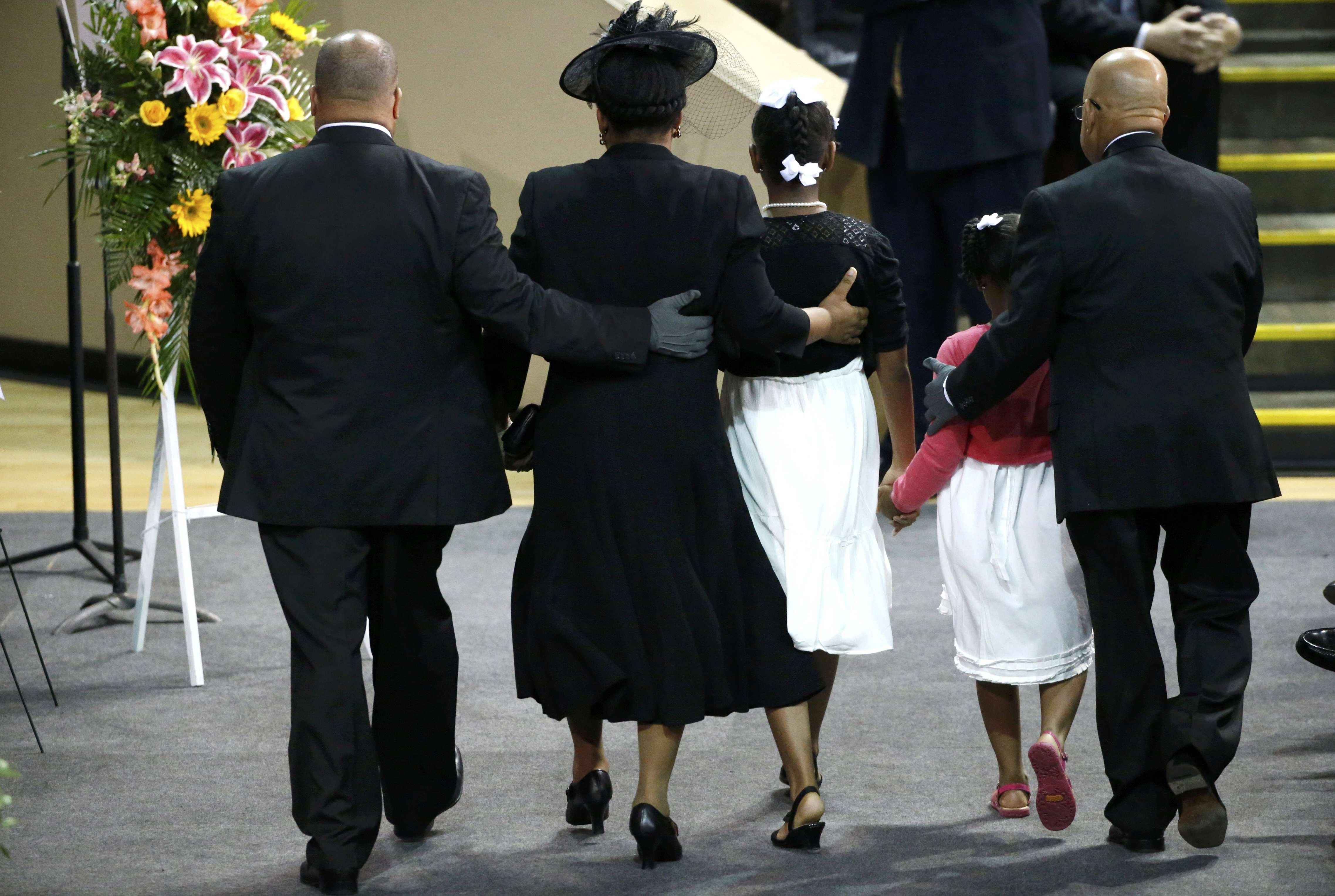 Lesbian funeral service — pic 12