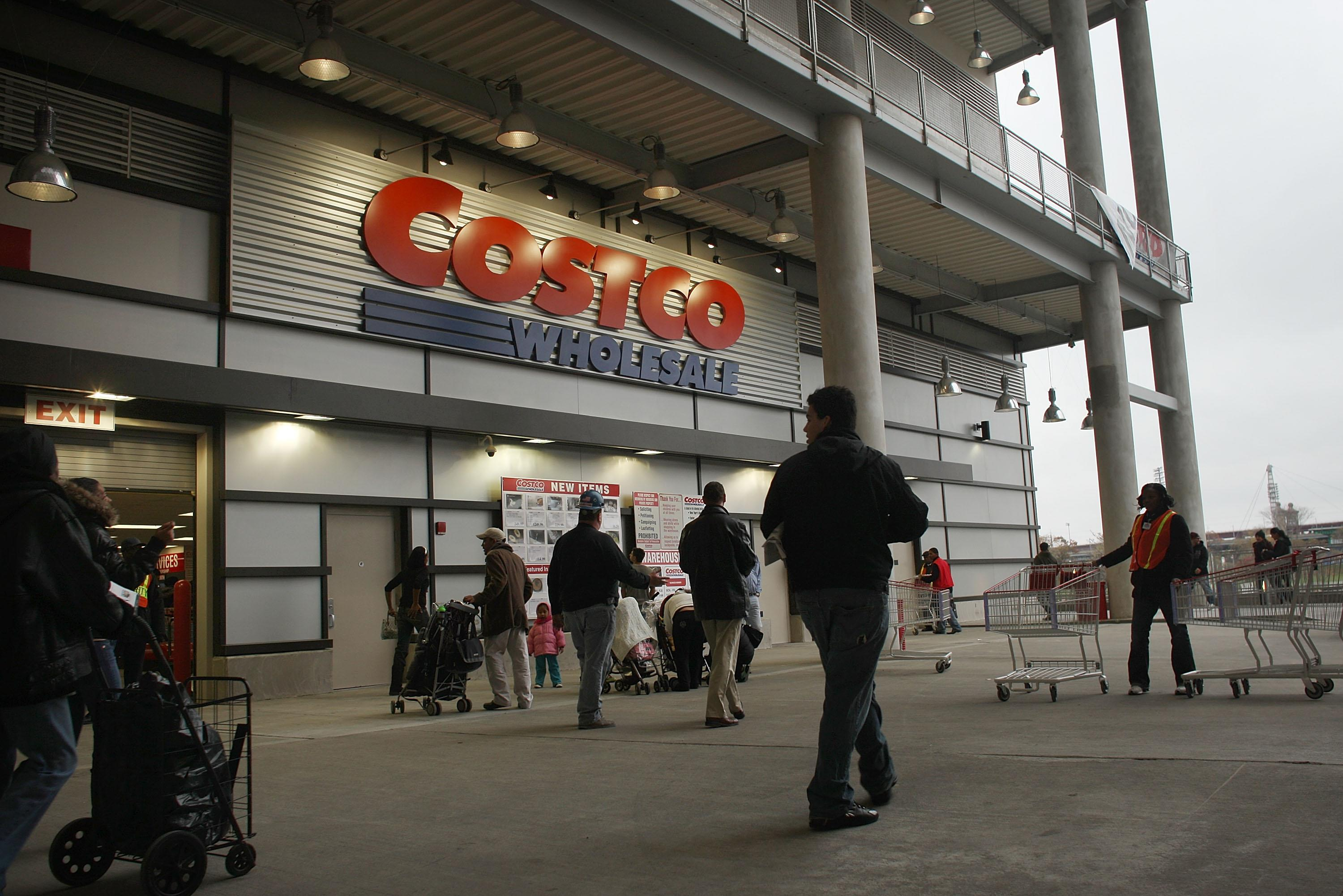 319b6ecc642a 9 Smart Ways to Save Money at Costco — Every Time You Shop