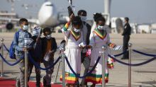 Hundreds of Ethiopian immigrants get warm welcome in Israel