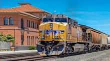 A Sliding Share Price Has Us Looking At Union Pacific Corporation's (NYSE:UNP) P/E Ratio