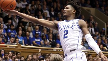 Duke back on top as Tennessee tumbles in poll