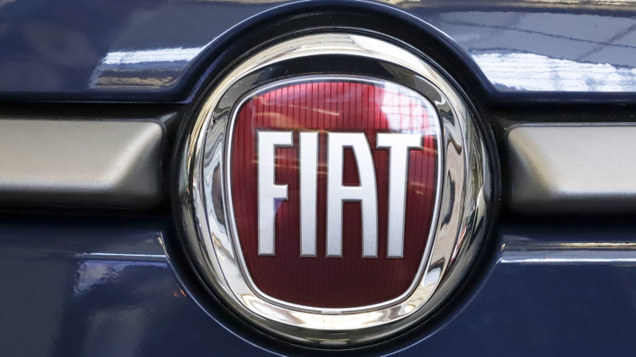 Fiat Chrysler makes offer to merge with Renault