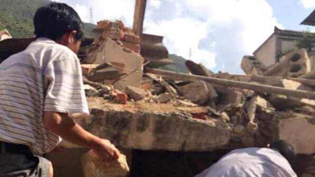 Strong quake kills at least 175 in southern China