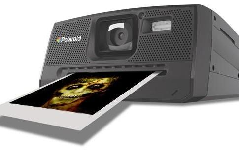 Polaroid cameras back from the dead (again) after deal with Vivitar-owner Sakar
