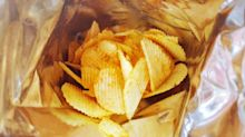 Man reveals how to seal a bag of crisps with simple hack