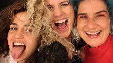 "Ana Cañas posa com Nanda Costa e Lan Lahn: ""Trisal da minha vida"""