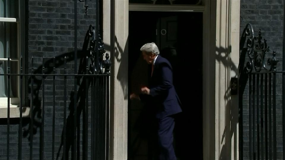 Downing St. door no barrier to Kerry-May meeting [Video]