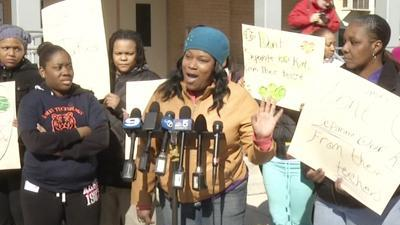 Parents Protest Chicago Public Schools Closings