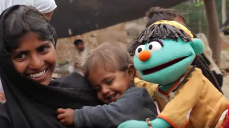 'Sesame Street' Wins $100 Million Grant To Create Programming For Refugee Children