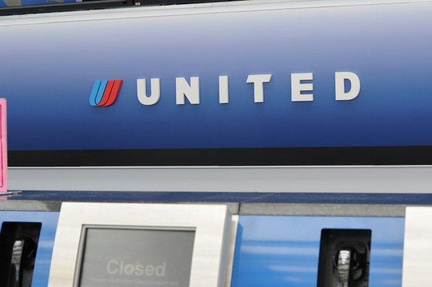 United Airlines New Overbooking Policy: 9 Things to Know