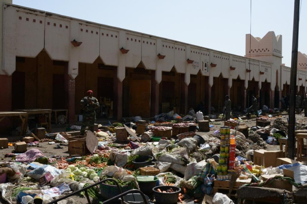 A market in N'Djamena following a suicide bomb attack on July 11, 2015, where at least 14 people were killed (AFP Photo/Brahim Adji)