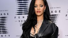 "Rihanna says sorry to the Muslim community for ""honest mistake"""