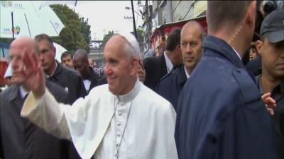 Family Living in Rio Slum Gets Visit From Pope