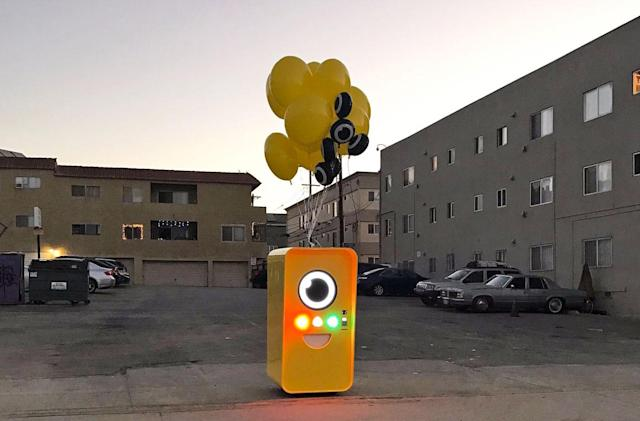 Buy Snapchat's Spectacles at this weirdo vending machine (updated)
