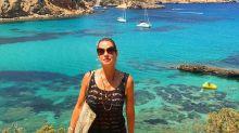 """Luana Piovani tira o biquíni para nadar em Ibiza: """"Pepecas al mar"""""""