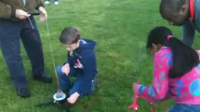Students shoot rockets as experiment: Part 3