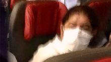 Flávio Bolsonaro viajou de avião com máscara no queixo dias antes de testar positivo para Covid-19