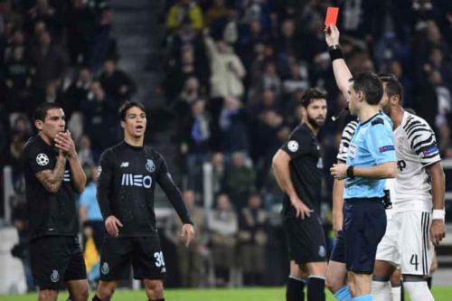 Técnico do Porto analisa queda: 'Jogos ficam condicionados pelas expulsões'