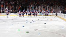 Islanders showered with beer cans after Game 6 OT win against Lightning