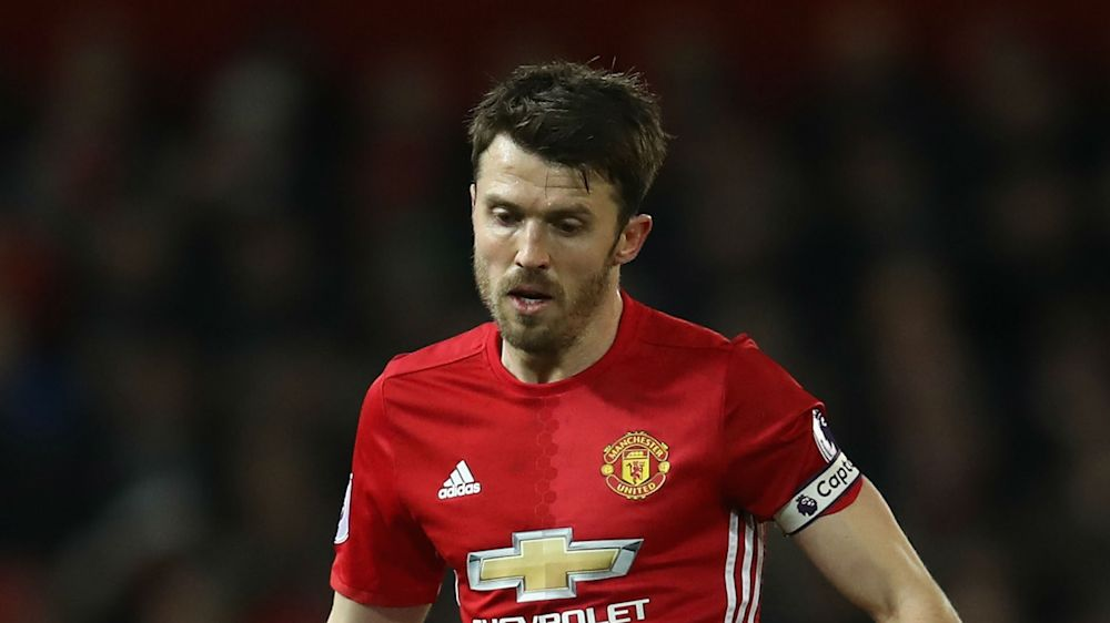 Carrick sees point gained for United in Manchester derby draw