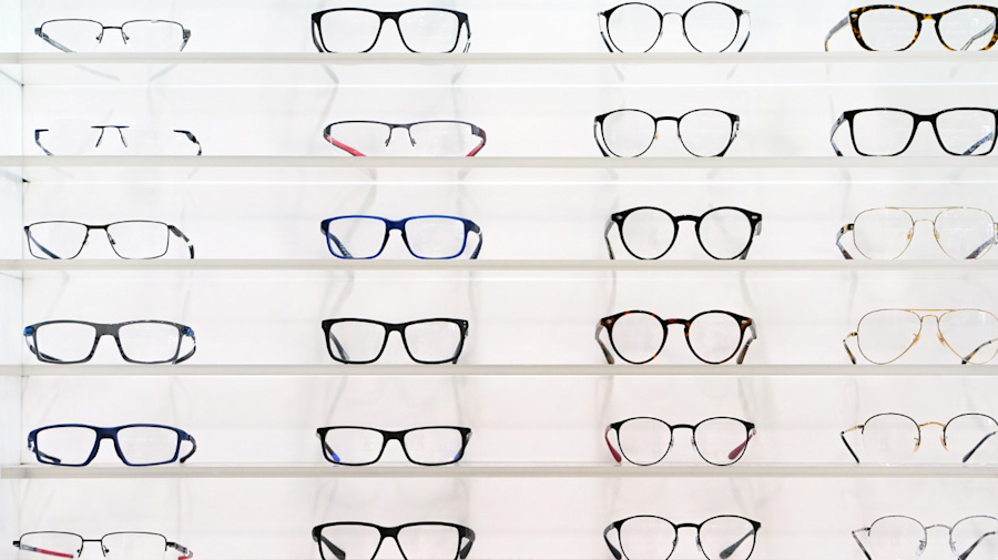 Here's how to correctly shop for glasses online