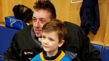 Jake Allen thanks young fan for support during struggles (Video)