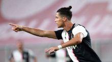 La Juve stravince il derby (4-1) e vola a +7 sulla Lazio