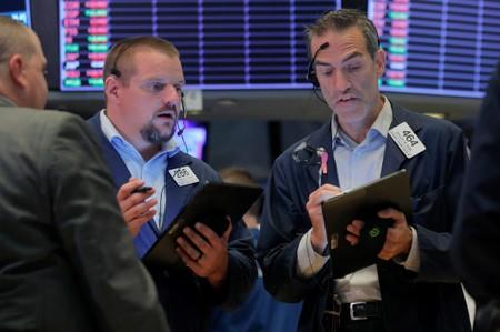 Global Markets: Yen, gold gain on trade war angst; Argentine peso sinks